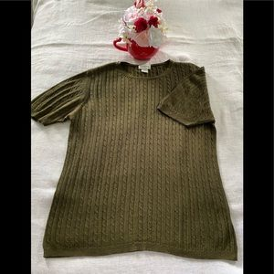 Neiman Marcus silk short sleeves blouse.